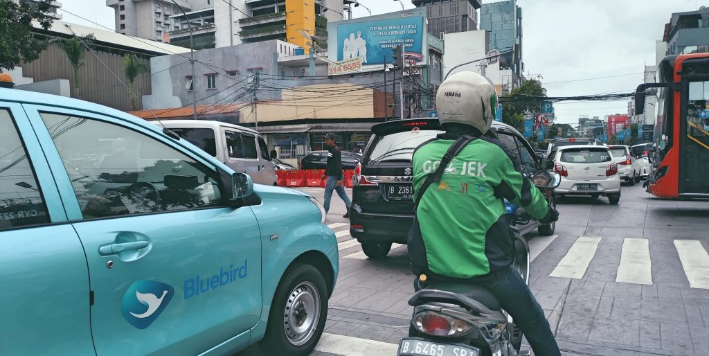 Grab or Go-Jek, Grab or Go-Jek? What's The Best Taxi App In Southeast Asia?, Micropreneur Life